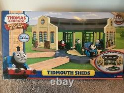 Fisher-Price Thomas & Friends Wooden Railway Tidmouth Sheds with Turntable
