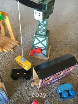 HUGE LOT Thomas Wooden Railway 30 LBS 200+ PIECES Track Buildings Trains Scenery
