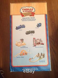 LC99393 Deluxe Knapford Station Thomas & Friends Wooden Railway System NewithBox