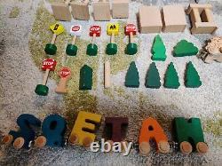 Learning Curve Thomas & Friends Wooden Railway System 2001 Lot of 234 pcs