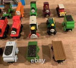 Learning Curve Thomas & Friends Wooden Railway System 2001 Lot of 30