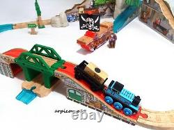 Pirate Cove Discovery Train Set BRIO ELC Wooden Railway THOMAS AND FRIENDS TOYS