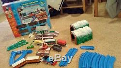 TOMY Thomas Tank Holiday Set Motorized Road&Rail Sys Talk N Action MINT With Box