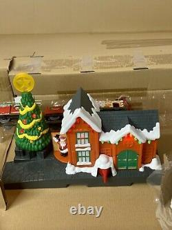 Thomas & Friends Trackmaster Railway Holiday Cargo Christmas Delivery Train Set