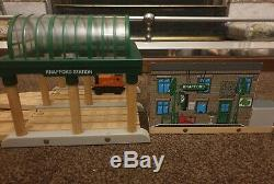 Thomas & Friends Wooden Railway Deluxe Knapford Station With Sounds Brio Set