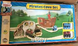 Thomas & Friends Wooden Railway Pirate's Cove Set Learning Curve LC99572 new