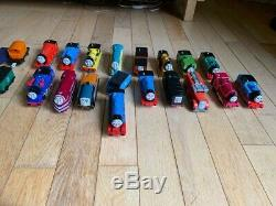 Thomas the Tank Engine Trackmaster, 17 trains, 40 rolling stock, big box of track