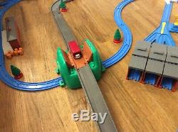 Thomas the Train Giant Set Tomy Motorized Road And Rail System, LOT XTRA FRIENDS