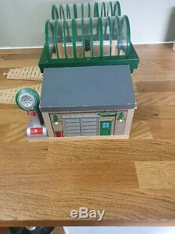 Thomas the tank engine Brio/ELCstyle Wooden Trains Deluxe Knapford Station