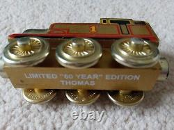 Thomas the tank engine wooden trainset HUGE lot battery trains roundhouse + bag