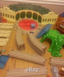 Trackmaster Thomas tidmouth sheds sodor lumber yard lot the train tank engine