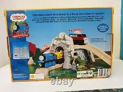 WOODEN THOMAS The Tank Engine MOUNTAIN OVERPASS 2002 Train Set LC 99355